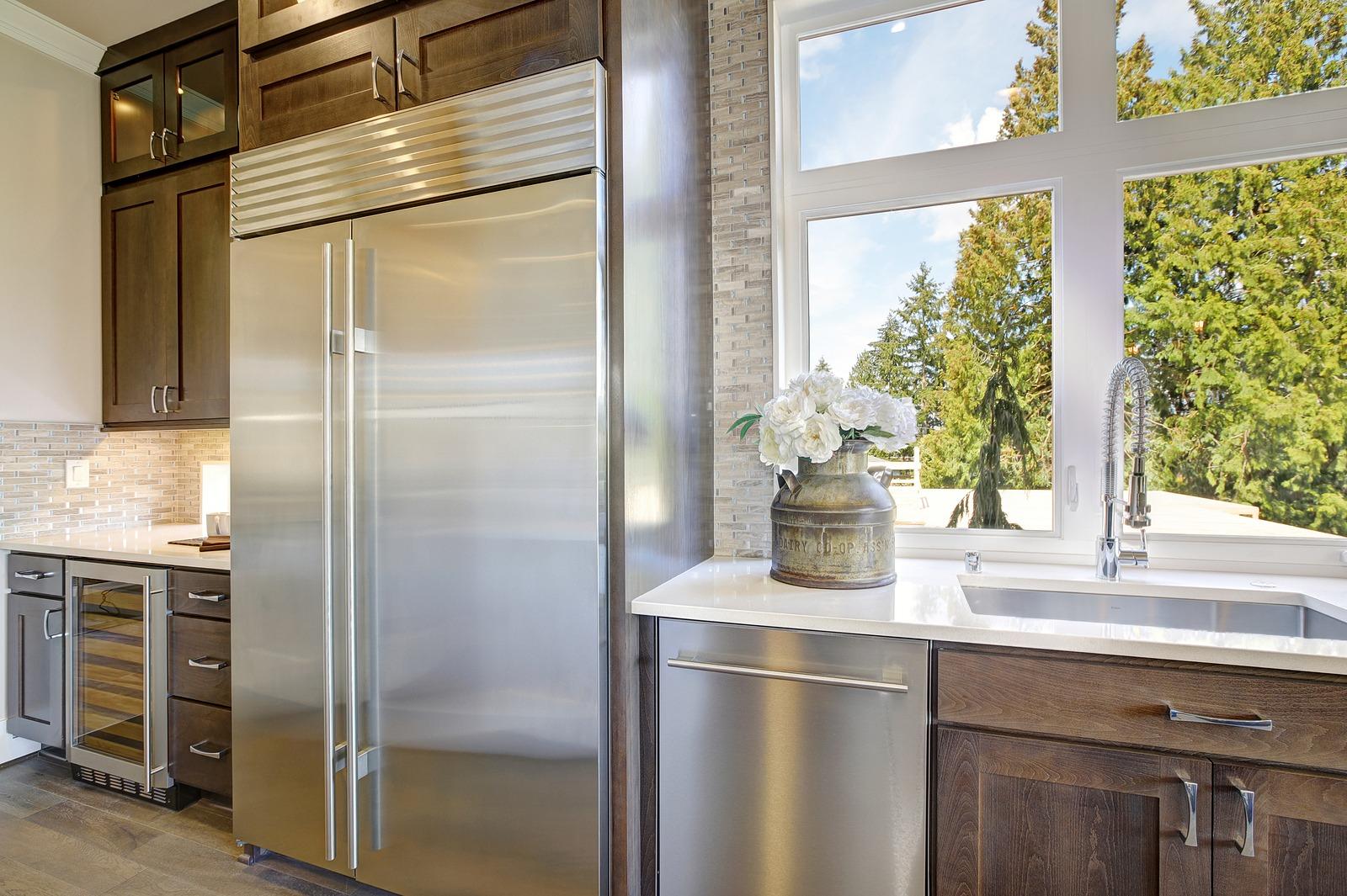 Sub Zero Integrated Vs Built In Refrigerators Wilshire Refrigeration Appliance